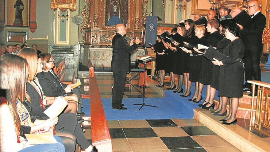 La serenata a la patrona zanja el programa festivo de Almassora