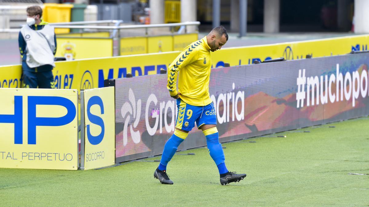 Jesé Rodríguez, ayer, en el instante de saltar al campo como nueve de la UD.