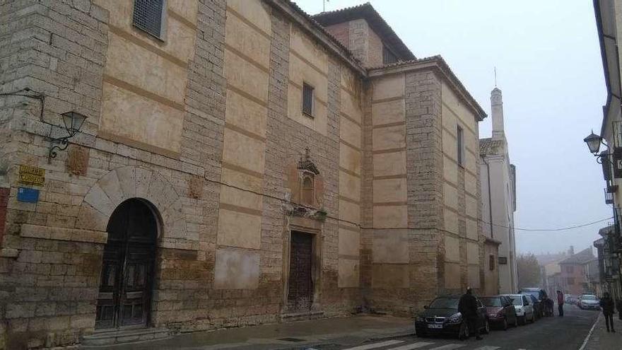 Fachada principal de la iglesia de La Concepción en la que el Ayuntamiento ejecutará obras de mejora a principios de año.