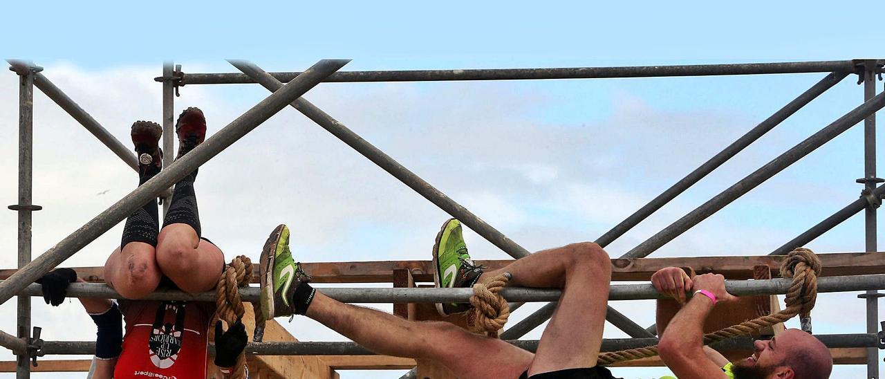 Dos participantes en la última edición del Desafío Boot Camp. |   // MARTA G. BREA