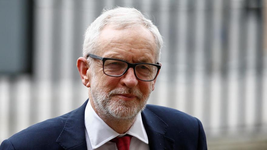El partido laborista británico readmite a Jeremy Corbyn
