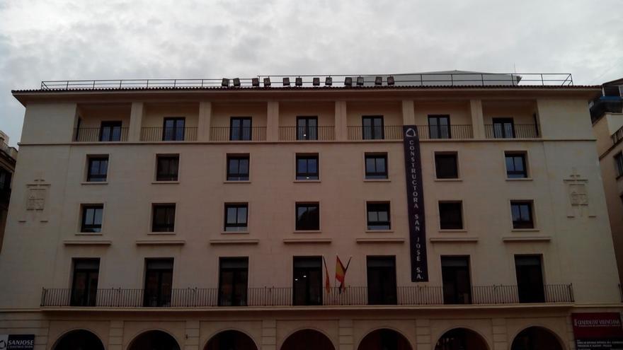 Condenado a dos años de cárcel por atracar un banco en Alicante