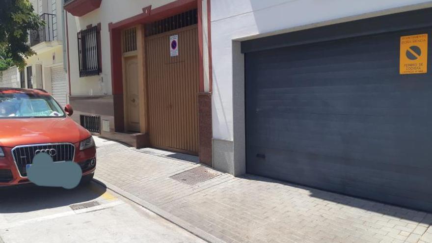 Una nueva ordenanza de Doña Mencía permite aparcar en cocheras