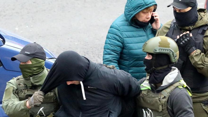 Más de 800 detenidos en otro día de protestas en Bielorrusia