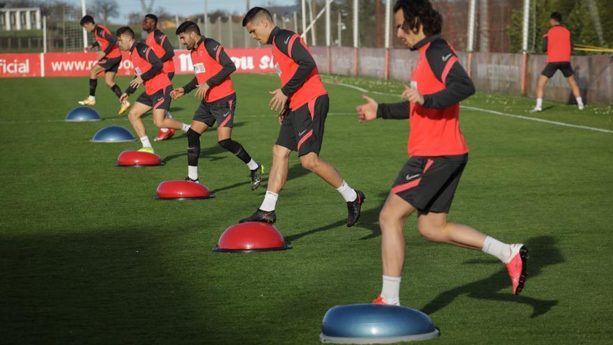 El Sporting, al completo, prepara el partido frente al Cartagena