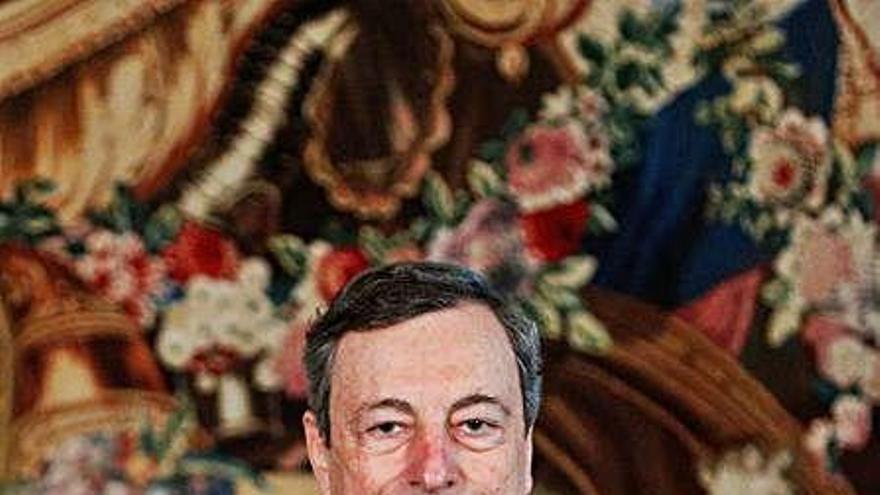 Mario Draghi jura el càrrec com a primer ministre italià