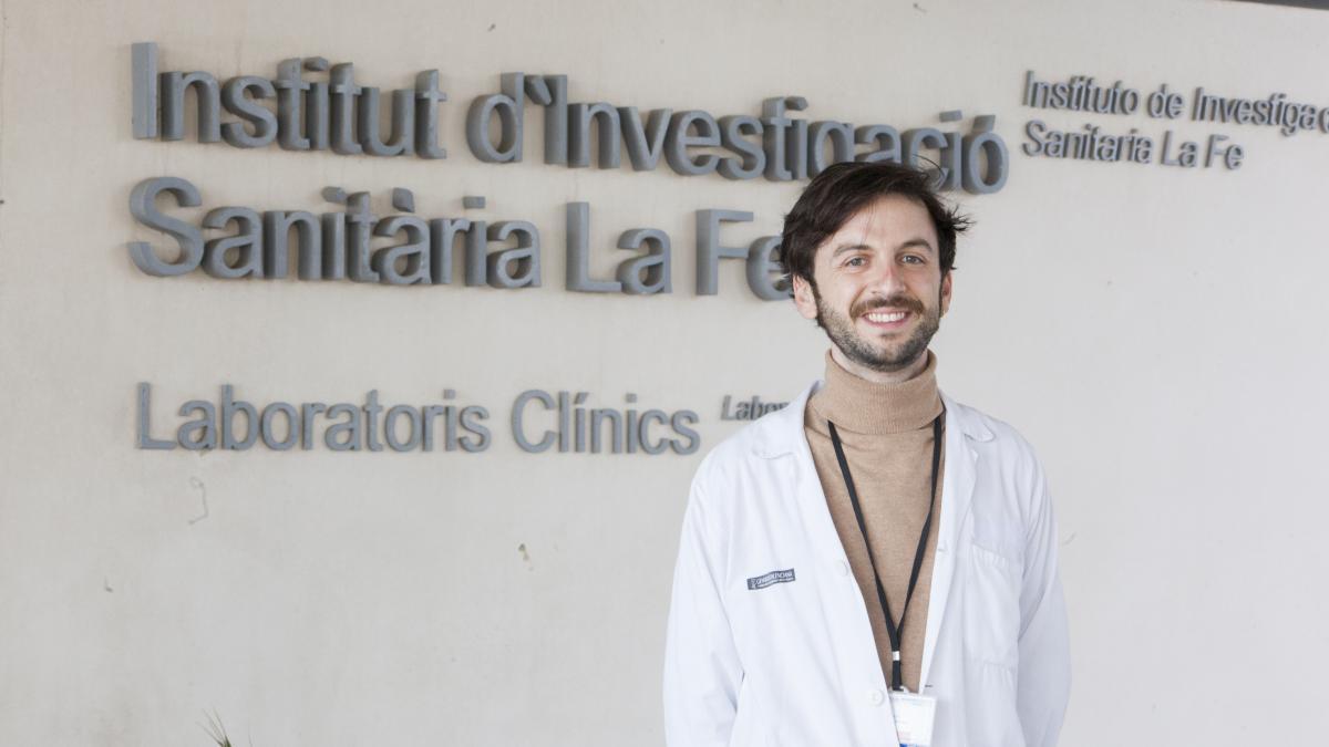 Joaquim Calvo-Lerma, el investigador premiado por la beca de Roche Farma y miembro del Grupo de Investigación en Enfermedad Celiaca e Inmunopatología Digestiva IIS La Fe,