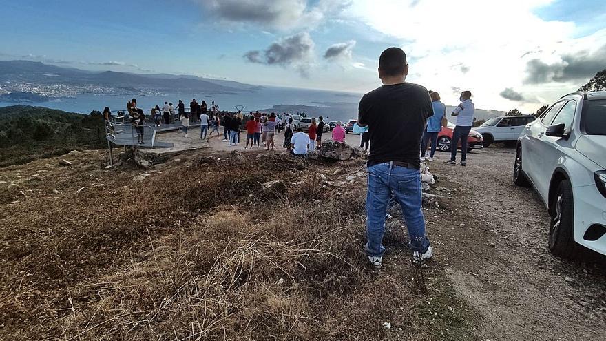Los miradores abarrotan el Monte Faro y el Concello busca fondos europeos para arreglar la subida