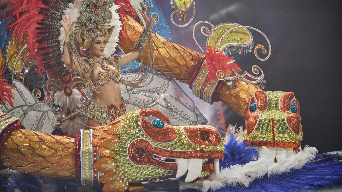 Carnaval de Santa Cruz de Tenerife   Candidatas a Reina: Yanira Morales (9)