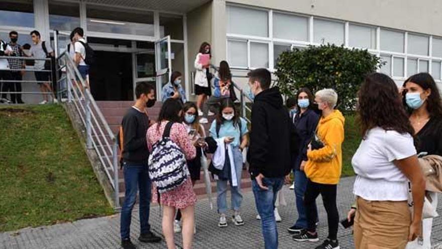 Exámenes y evaluación, mayores consultas del alumnado a la Valedora de la UDC