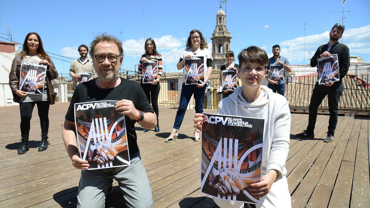 Amàlia Garrigós, Mireia Vives o Miguel Gil són alguns dels artistes que han participat en el projecte.