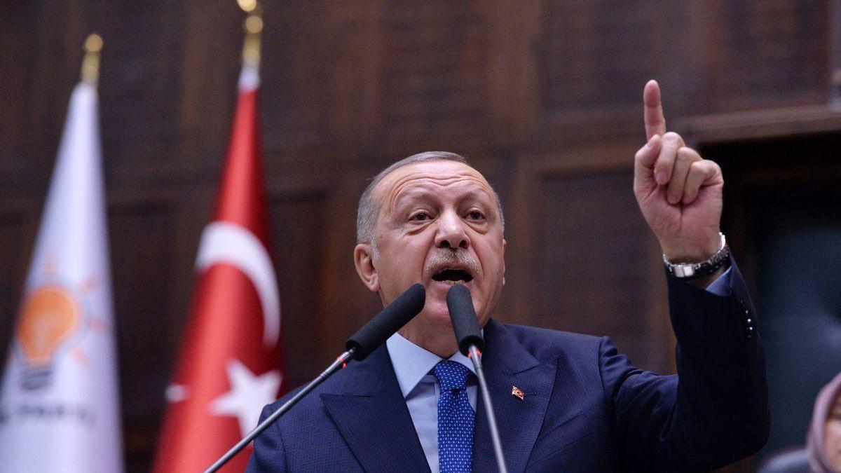 Los Veintisiete avalan el acercamiento a Turquía pero no cierran la puerta a sanciones