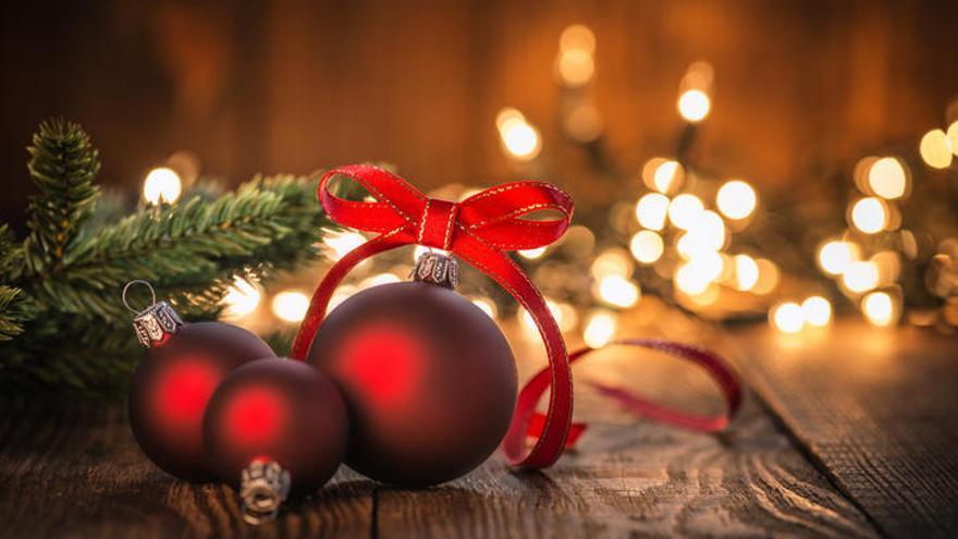 ¿Cuál es el origen de las bolas de Navidad?