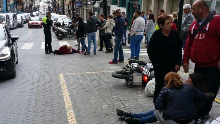 Una moto arrolla a una niña en un paso de peatones de Calp