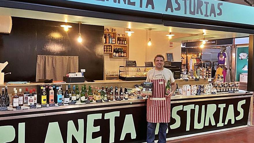 Toda Asturias cabe en un puesto de Madrid: un avilesino abre la primera tienda de Alimentos del Paraíso en la capital