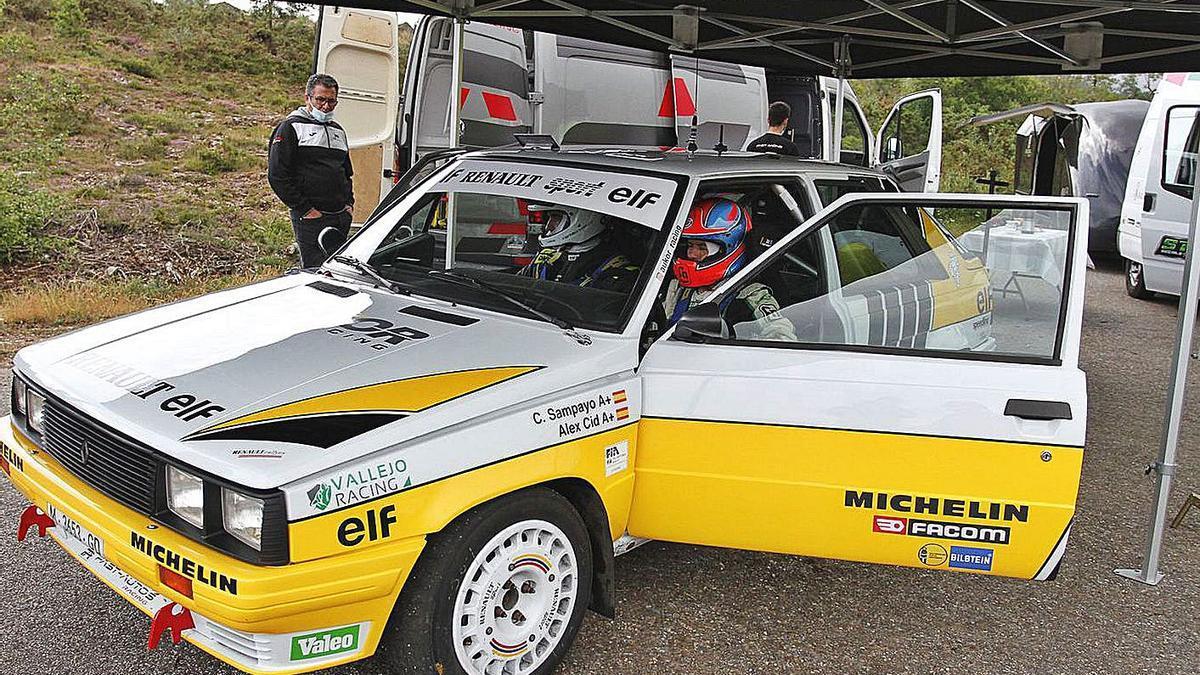 El Renault 11 Turbo en la jornada de test en colaboración con Vallejo Racing.   // IÑAKI OSORIO