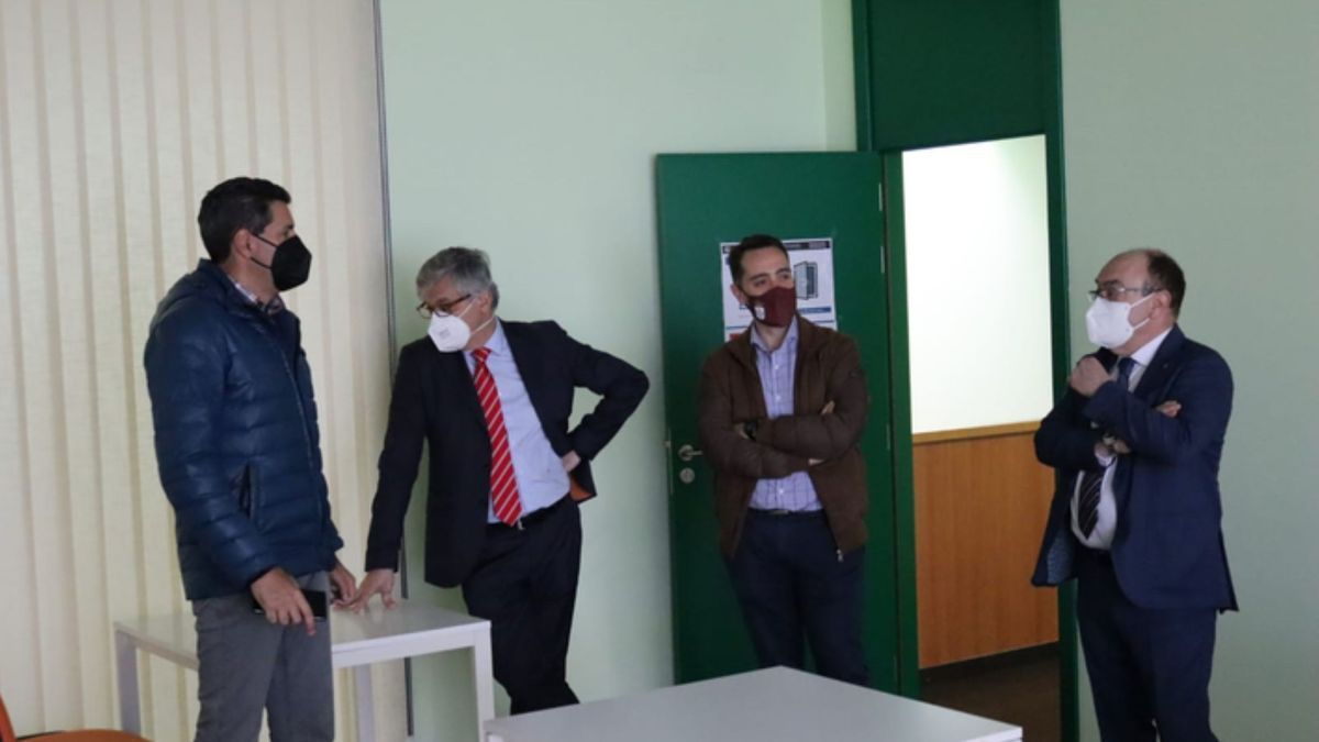 Visita de la Cámara de Comercio de Zamora al Centro de Transportes y Logística de Benavente. / E. P.