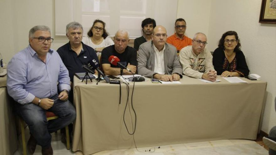 Sindicatos de la enseñanza amagan con una huelga general en Canarias
