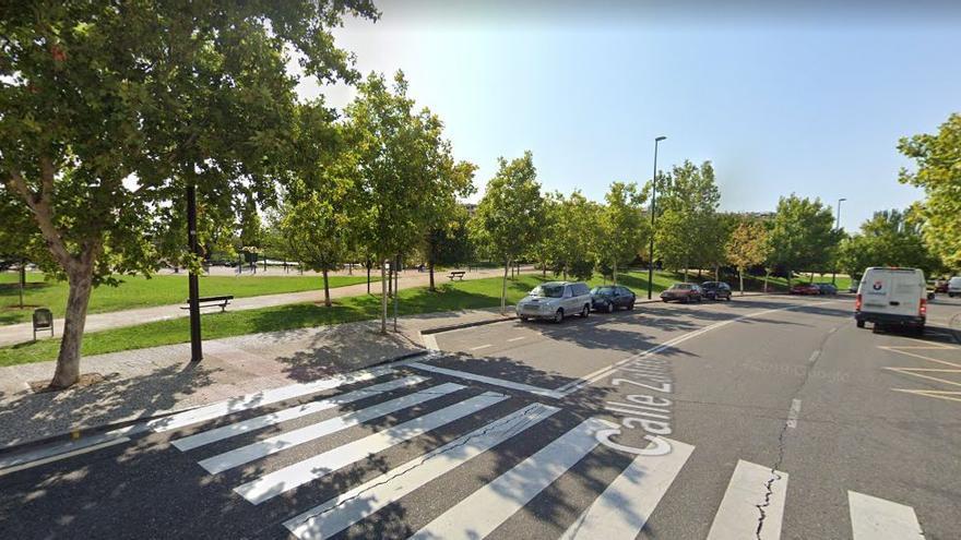 Torrero-Venecia pide espacios para bicis y motos junto a pasos de peatones