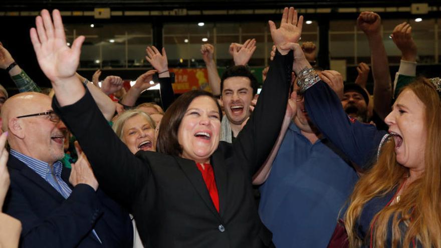 Victòria històrica del Sinn Féin a Irlanda; s'esperen unes llargues negociacions per formar govern