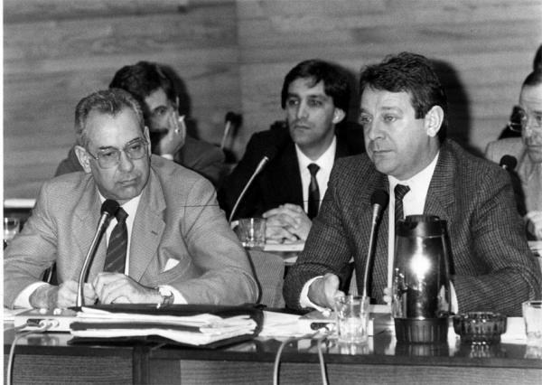 Mantilla con Del Valle y Chema Figueroa durante un pleno del ayuntamiento. // Cameselle
