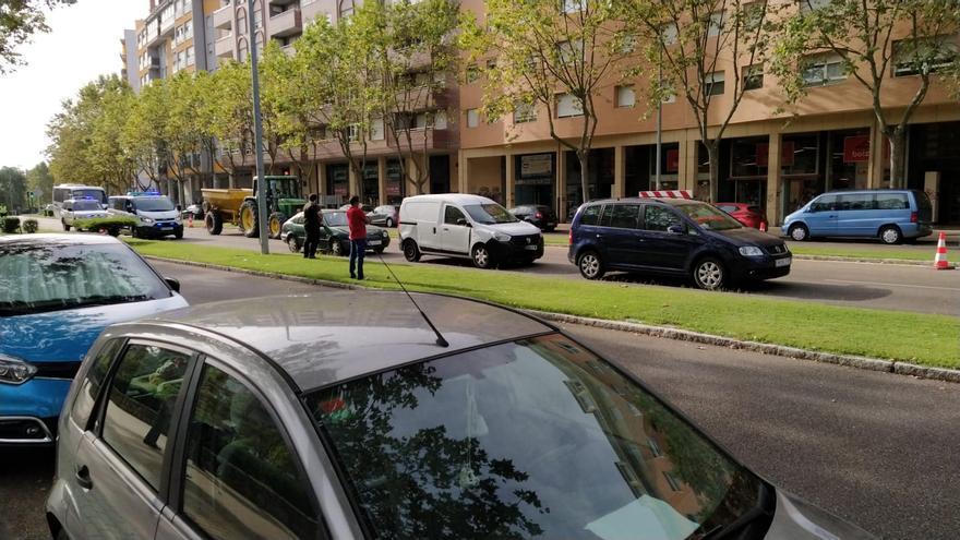 Colisión múltiple de tres vehículos en Cardenal Cisneros