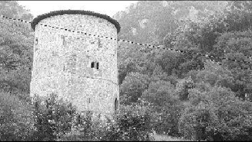 Proaza iluminará la torre del Campo, principal icono del concejo, para atraer turismo