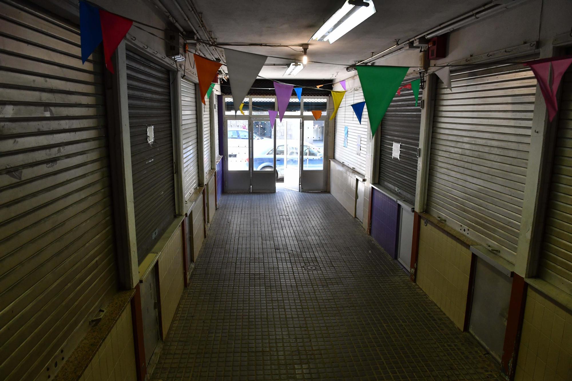 """Un paseo para decir """"adiós"""" al mercado de Santa Lucía"""