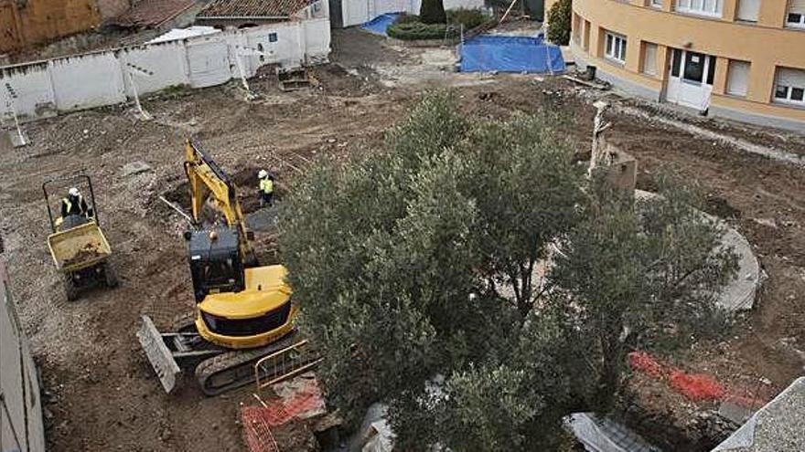 Les obres a l'aparcament de la Clínica Sant Josep en transformen l'aspecte
