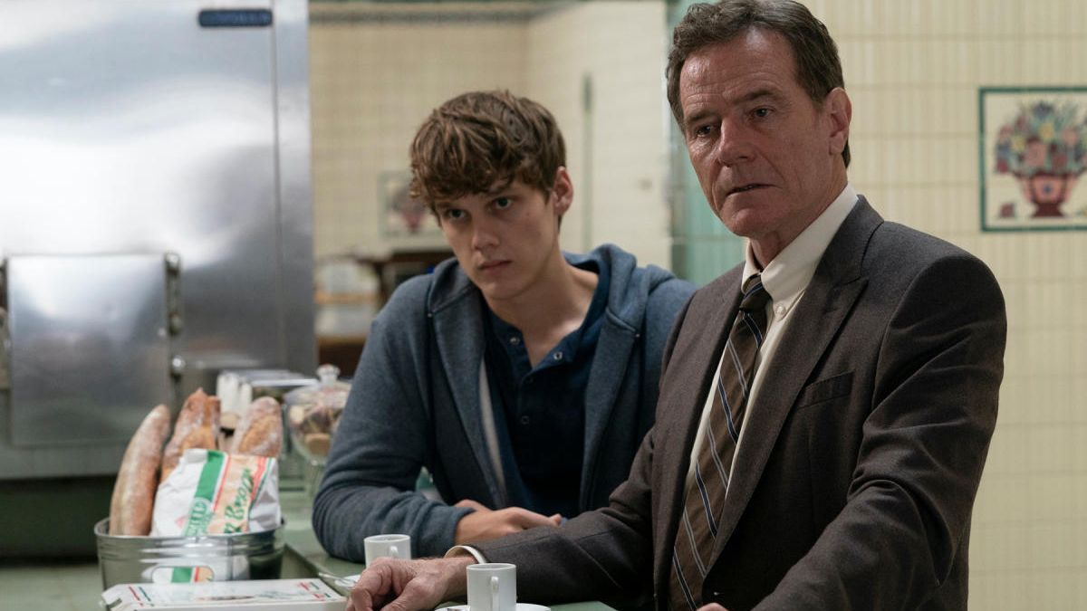 Hunter Doohan y Bryan Cranston en 'Your honor'