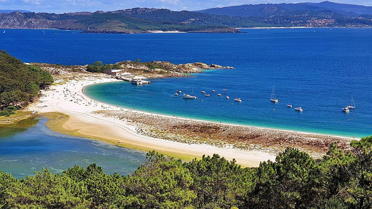 Vista de la playa de Rodas, en las Cíes. |   // MARTA G. BREA