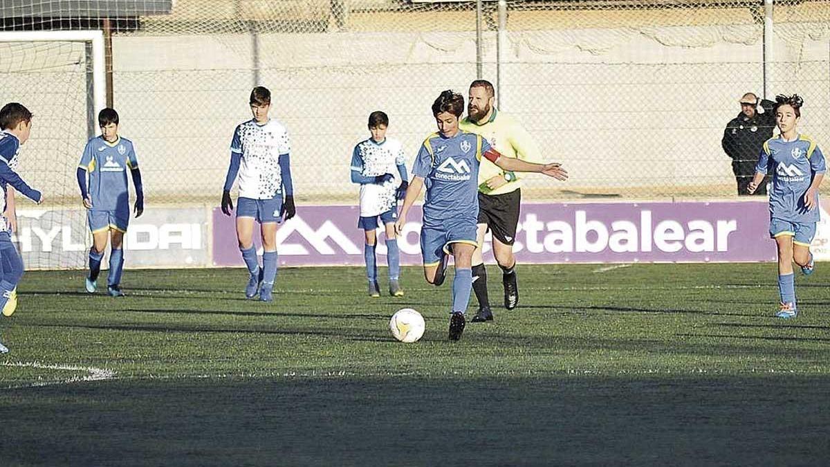 Imagen de un partido de fútbol de categorías base la pasada temporada.