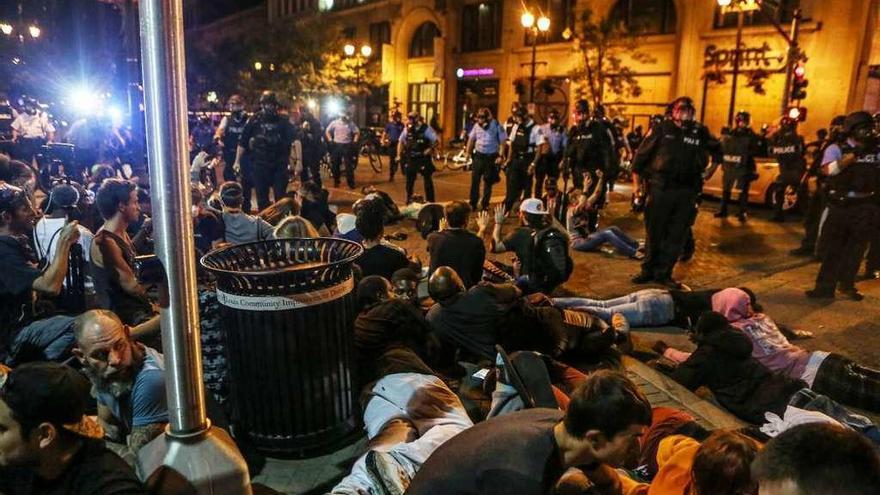 Tercera noche de protestas raciales en San Luis