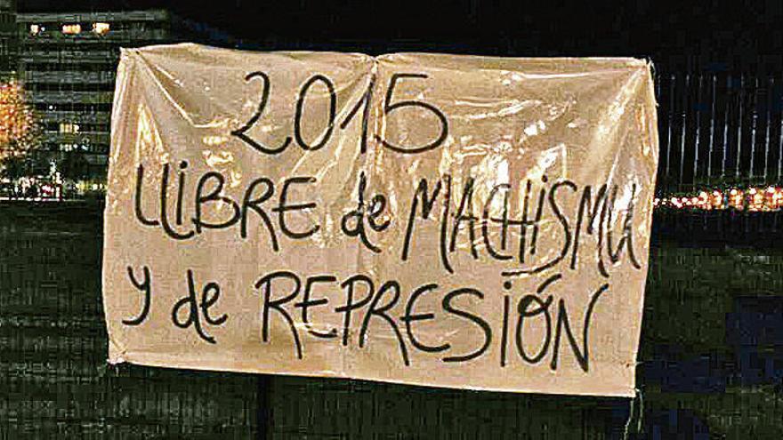 """Un cartel feminista colocado en Nochevieja en el """"solarón"""" genera una sanción de 600 euros"""