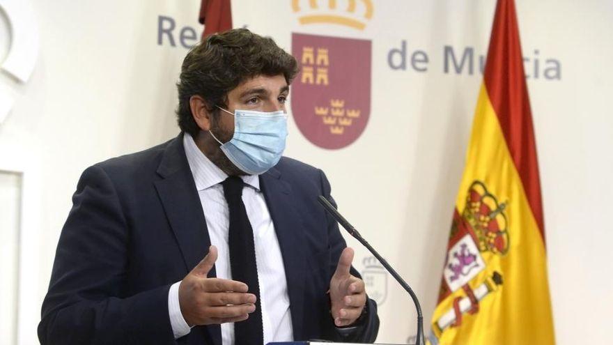 """López Miras: """"Estamos todavía en mitad de la pandemia"""" y la Semana Santa """"tendrá que ser diferente"""""""