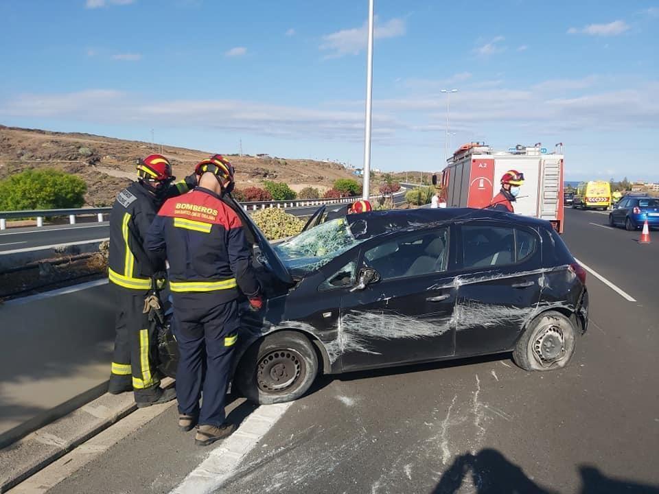 Dos heridos en un vuelco en la autopista del Sur de Gran Canaria (8/05/2021)