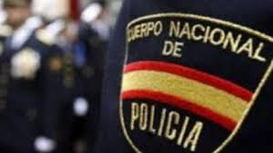 La Policía Nacional detiene a dos hombres tras embestir a varios vehículos policiales en Santa Brígida