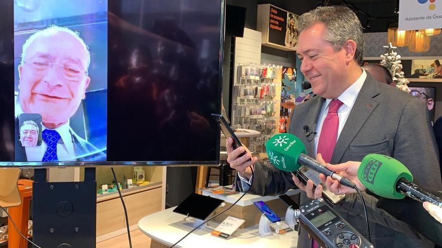 Los alcaldes de Málaga y Sevilla realizan primera videollamada 5G