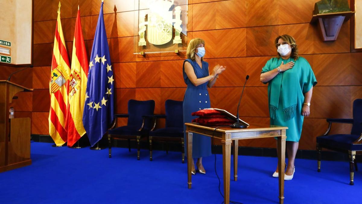 La nueva delegada del Gobierno, Rosa Serrano, toma posesión de su cargo bajo la presidencia de la ministra de Educación y FP, Pilar Alegría.