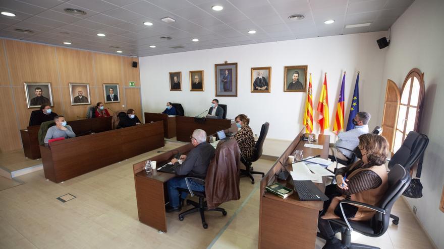 El PP de Sant Josep saca provecho de la minoría del gobierno para reclamar el plus para los sanitarios de Ibiza