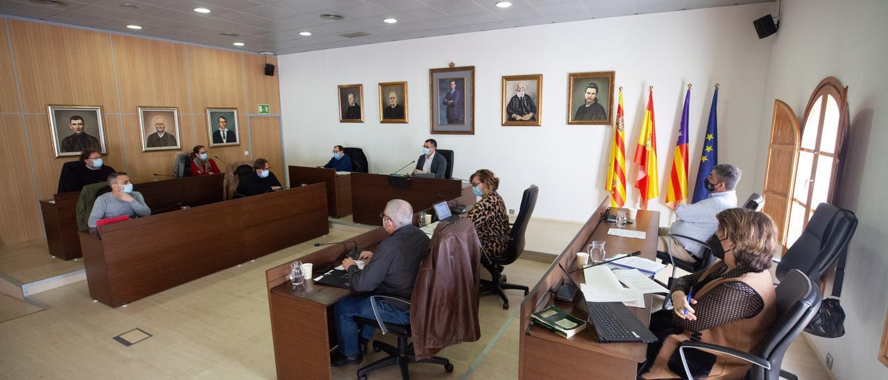 Un momento del pleno de Sant Josep. Vicent Marí