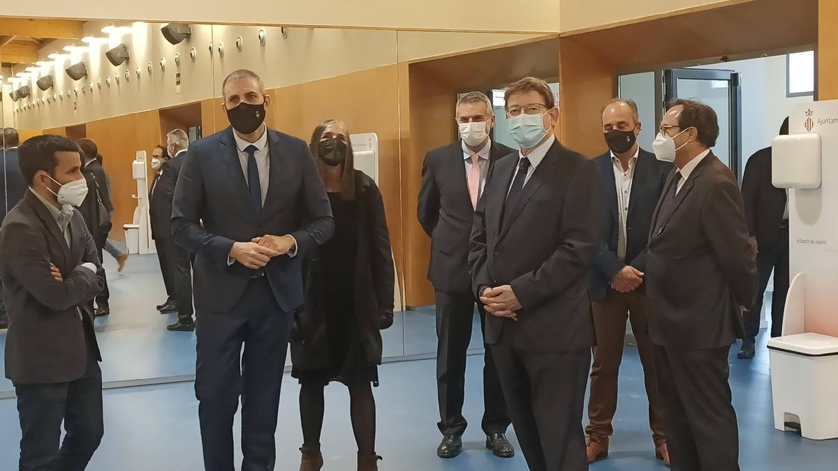 Vicent Marzà, Jordi Mayor, Ximo Puig y Vicent Soler, entre otras autoridades, en un momento del acto.