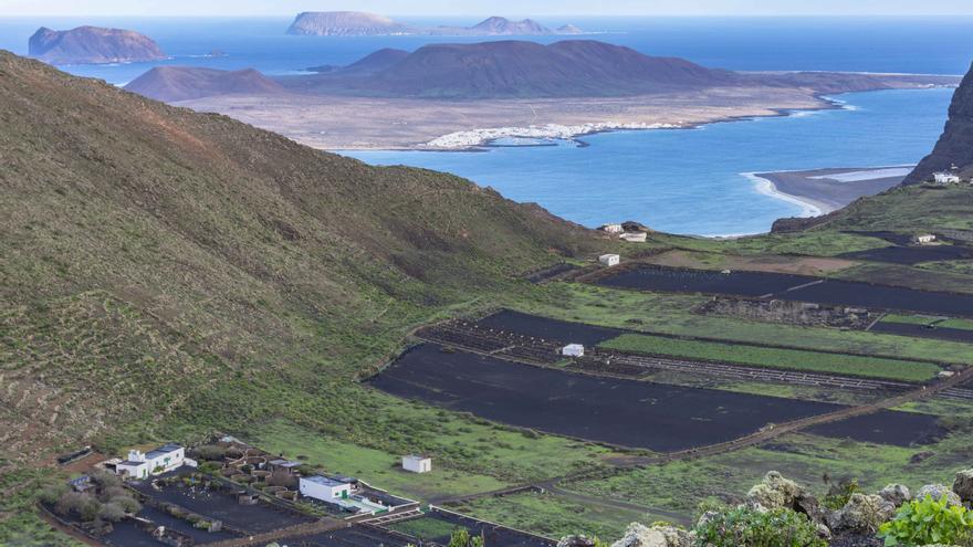 Canarias despide el año con lluvias débiles y dispersas al principio y final del día