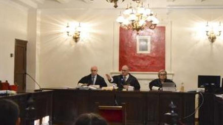 Condenados tres hombres por una pelea multitudinaria en Benavente