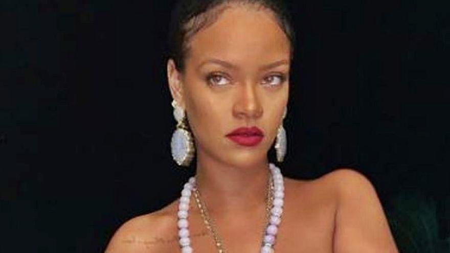 Rihanna y su desnudo más polémico