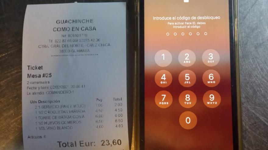 Hacen un 'simpa' y se dejan el móvil en un guachinche de Tenerife