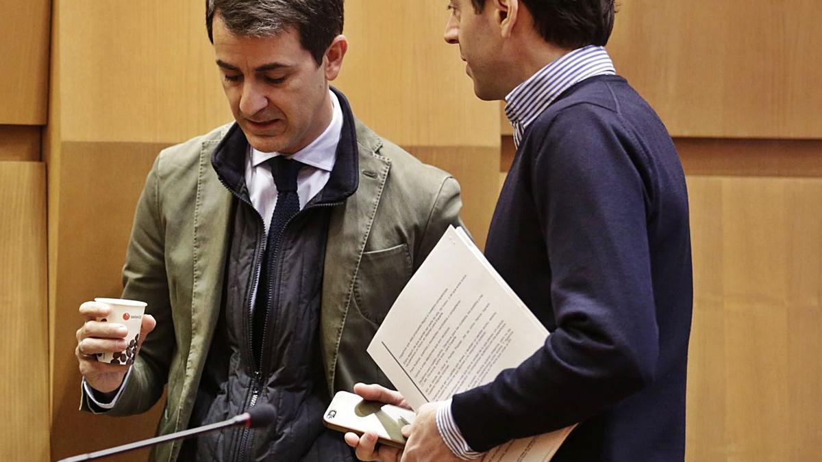 Pedro Navarro y Sebastián Contín, en una imagen de archivo, cuando eran concejales del PP en Zaragoza.