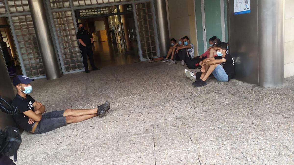 El Ayuntamiento de Cartagena culpa a Delegación del Gobierno de la fuga de inmigrantes