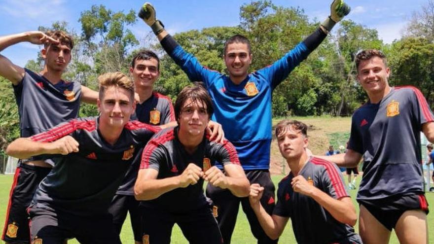 Pedri busca la primera victoria de España ante la gran revelación Tayikistán