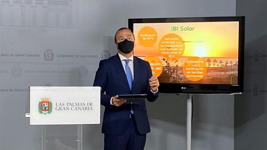 Usar placas solares en la capital grancanaria baja la factura del IBI